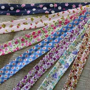 soft and pretty 100% cotton floral bias binding, 25mm