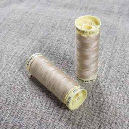 Gutermann Sew All Thread Col. 186 (Beige)