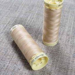 Gutermann Sew All Thread Col. 421 (Sand)