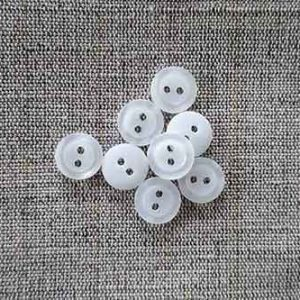 Two-hole, pearlised 11mm buttons, white