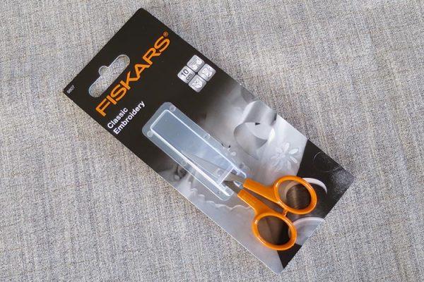 "Fiskars embroidery/needlework scissors: 10cm/4"""