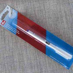 Self-erasing marker pen