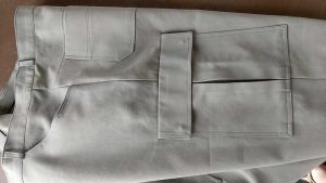 Trouser cargo pocket detail