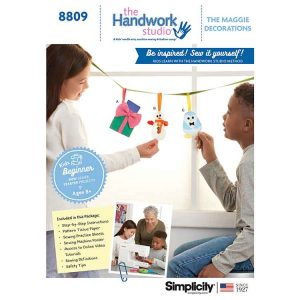 Simplicity 8809 Handwork Studio: Maggie Decorations and Gift Card Holder