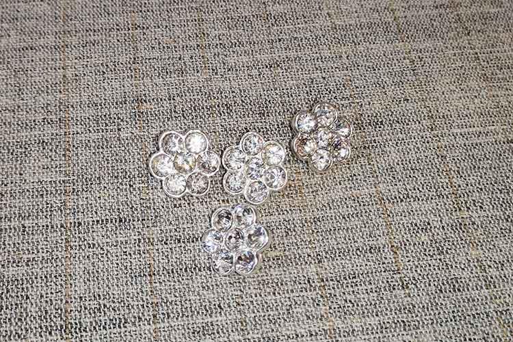 Glass diamante buttons (16mm)