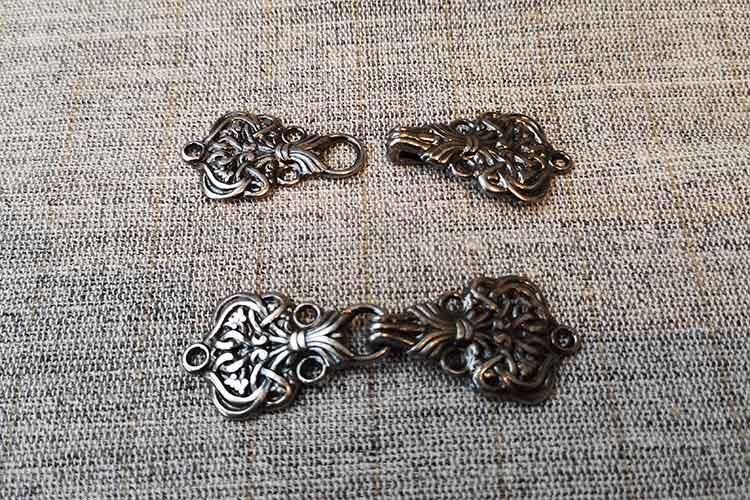 Norwegian clasps