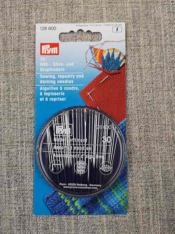Prym sewing, darning & tapestry needle compact