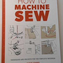 How to Machine Sew - Susie Johns (Large Format)