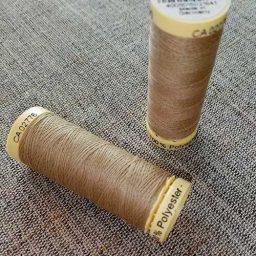 Gutermann Sew All Thread Col. 464 (beige)