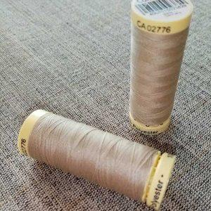 Gutermann Sew All Thread Col. 722 (beige)