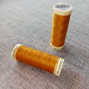 Gutermann Sew All Thread Col. 412 (gold)