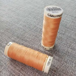 Gutermann Sew All Thread Col. 300 (orange)