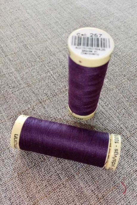 Gutermann Sew All Thread Col. 257 (purple)