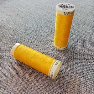 Gutermann Sew All Thread Col. 417 (yellow)