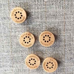 Wood-effect Handmade toggles 15mm