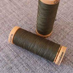 Gutermann Cotton Thread #424 (khaki)