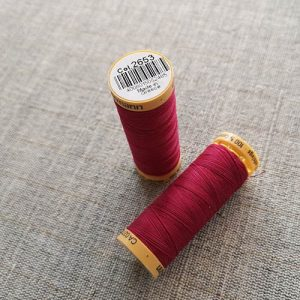 Gutermann Cotton Thread #2653 (red)