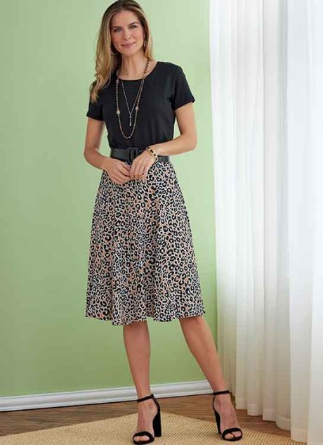 B6743 Misses'/Misses' Petite Gored Skirts