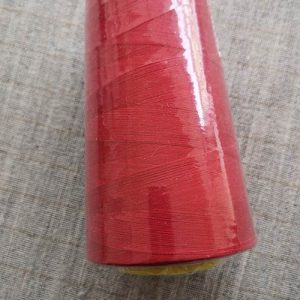 Overlocker/serger thread, 100% polyester, 5000 yds (red)