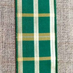 Festive green plaid ribbon with lurex (40mm)