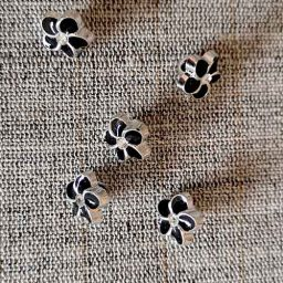 Black/silver diamante flower buttons (11mm)