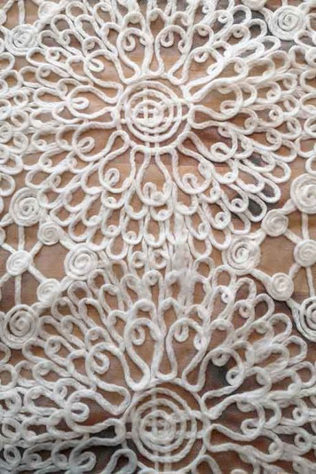 Circular pattern, yarn embroidered tulle (ivory)