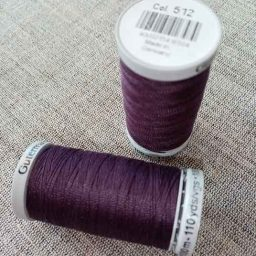 Gutermann Extra-Strong Col. 512 (mulberry)