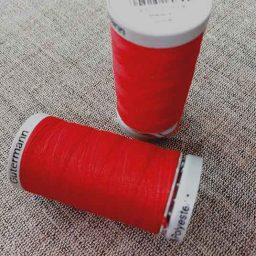 Gutermann Extra-Strong Col. 156 (red)