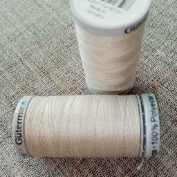 Gutermann Extra-Strong Col. 299 (pale beige)