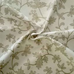 "John Louden ""Mistletoe and Vine"" cotton print (cream/gold)"